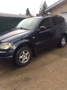 2000 Mercedes Benz ML320 AWD Leather clean 189k $4400