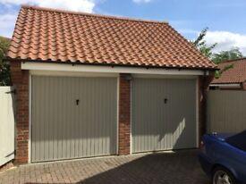 Secure single garage to rent near Cambridge for classic car/motorbike storage