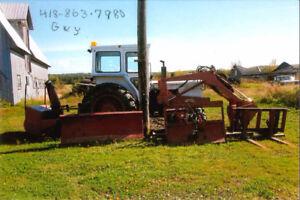 Tracteur  et équipements à vendre