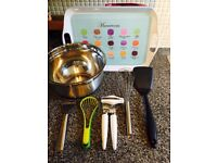 Kitchen set for cooking/baking
