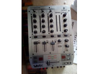 Behringer VMX300 3 channel pro-scratch mixer