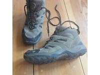 Renata hiking boots size 5