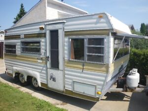 1979 Travelaire Holiday Trailer