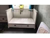 White solid wood cot/cot bed