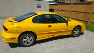 2002 Sunfire ... as is