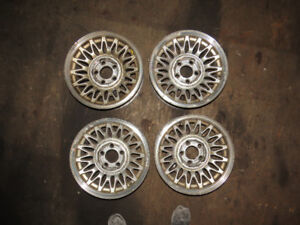 """15"""" Lincoln Town Car Aluminum Rims with Rounded Center Caps"""