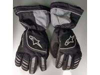Excellent barely worn Alpinestars waterproof bike gloves size large