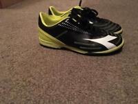 Brand New Diadora Mens Football Boots Size 6 Black/Yellow Quik Sale Wanted