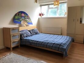 FABULOUS DOUBLE ROOM AVAILABLE IN A SPECTACULAR LOCATION (BLACKHEATH) £125pw