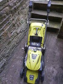 Ryobi RLM46140 petrol lawnmower