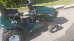 Craftsman Lawn Tractor. 19hp Briggs & Stratton Turbo Cooled