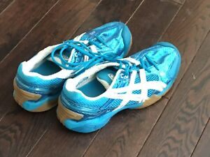 Ladies  size 8 Volley Ball shoes