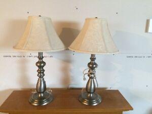 2 lampes table de chevet