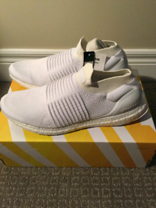 Adidas Ultra Boost Triple White Laceless Size 9