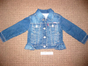 SUPER CUTE JEAN JACKET!