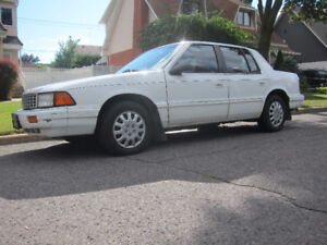 1993 Plymouth Acclaim Berline