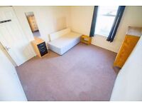 **ALL BILLS INCLUDED** Double room for rent in modern and spacious property in WALTHAMSTOW!!