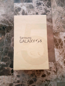 Samsung Galaxy S5 - White - 16gb - Near perfect condition