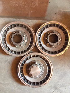 1994 Ford F250 4x4 Hubcaps
