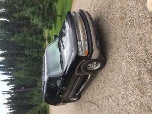 2003 Chevrolet Suburban Lt SUV, Crossover