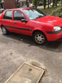 Red Ford Fiesta 2002