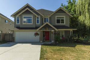 Prime location: 3 bedrooms 2 bathrooms ground level of new house