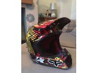 Fox V3 Pilot Carbon Bicycle Helmet - Rockstar Colours size Medium