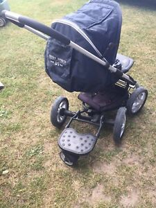 Luxury Sit and Stand Stroller (similar to Quinny)