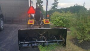 Sub compact tractor