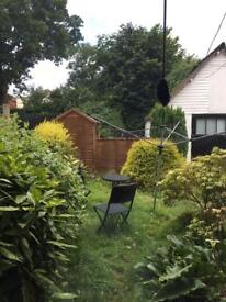 Private let 1-bed garden flat