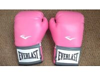 Pink Everlast 8oz boxing gloves