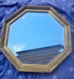 Beautiful Octagonal Guild Mirror 610mm Approx Diameter, lovely Gold detail on Frame