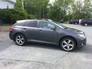 2012 Toyota Venza AWD/PAN ROOF. LOADED LEATHER