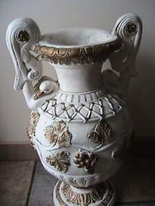 gros et vieux vase :20$