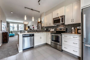 Priced to sell!!  Like new Townhouse in Kincora!!