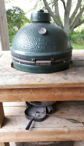 Large Big green egg w/custom table ☆☆☆