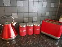 Red / Kettle and toaster