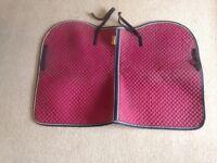 Maroon saddle blanket . Cob size. Kavalkade make