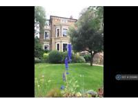 3 bedroom flat in Portsmouth Road, Surbiton, KT6 (3 bed)