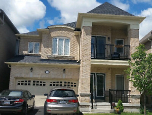 **STUNNING** 4 Bedroom house - For Rent in Ajax
