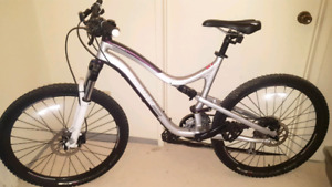 Mint Condition Specialized Myka Comp Full suspension Womans