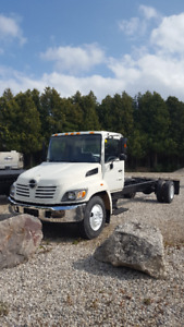 "05 hino 268 ""G"" LICENCE!!!!!!!!! CAB AND CHASSIS PRE EMISSION"