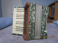 Tonella Vintage 12 Base Accordion