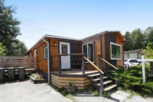 (VIRTUAL TOUR) Beautifully Renovated Mobile Home!