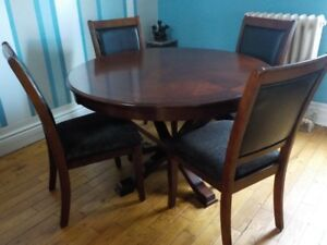 SOLID Dining Set FOR SALE