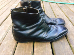 Size 12 leather boots in excellent condition