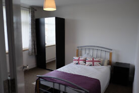 *NO AGENCY FEES TO TENANTS* Beautifully presented ensuite in Filton house share.
