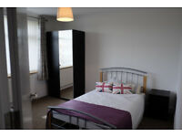 *NO AGENCY FEES TO TENANTS* Beautifully presented bedroom with ensuite in Filton house share.