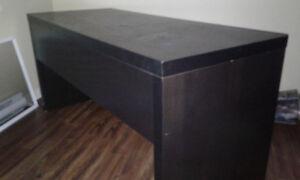 Bureau noir IKEA