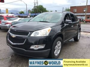 2010 Chevrolet Traverse LT ***SUNROOF & 8 PASSENGERS**